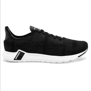 Brooks black pure beat running shoes